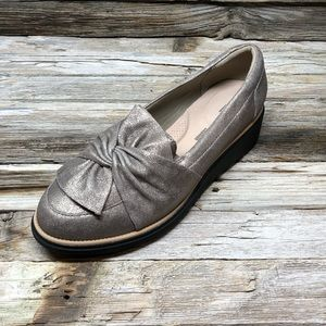 NWOT Clarks Pewter Collection Sharon Dasher Loafer